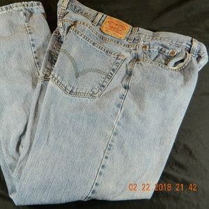 Men's Levi's 550 Jean Tag Size 38x32 Actual 38x31